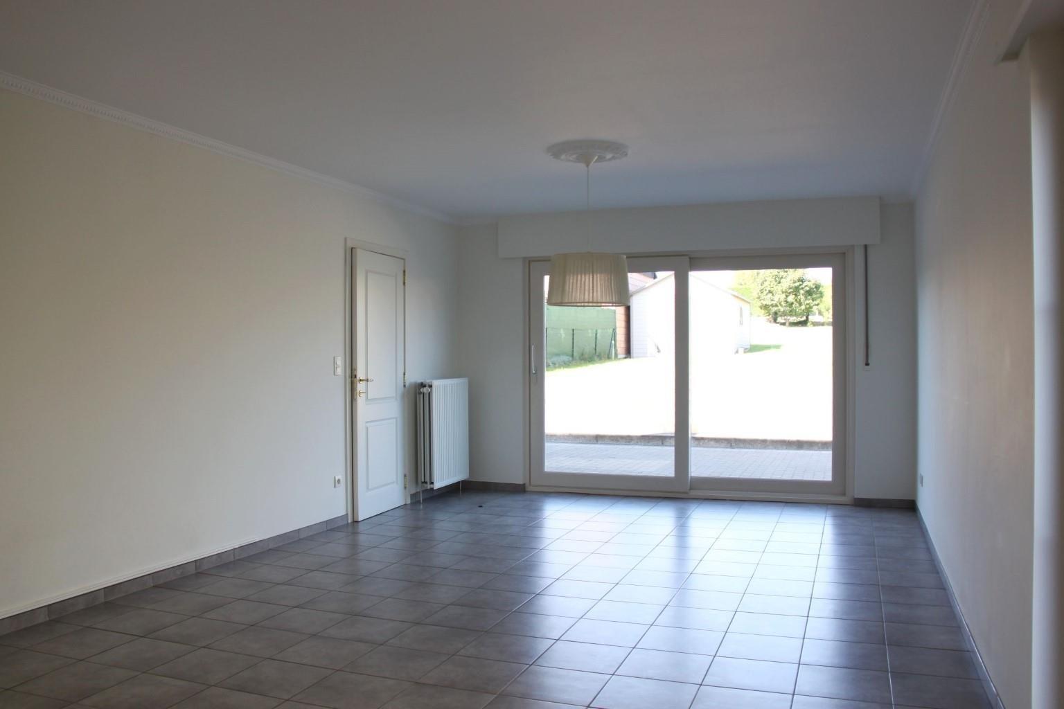 A997W5202103121203/a969b7be42954242a8ef161496b49a24/livingroom2.jpg